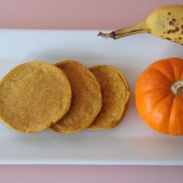 no sugar healthy whole wheat pumpkin banana pancakes for toddlers