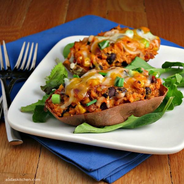 Southwestern Stuffed Sweet Potatoes | alidaskitchen.com