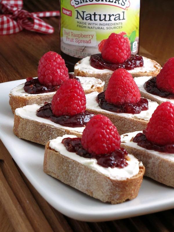 Easy Raspberry Cheesecake Crostini | alidaskitchen.com