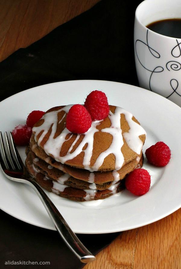 Extra Sweet & Creamy Coffee Pancakes | alidaskitchen.com