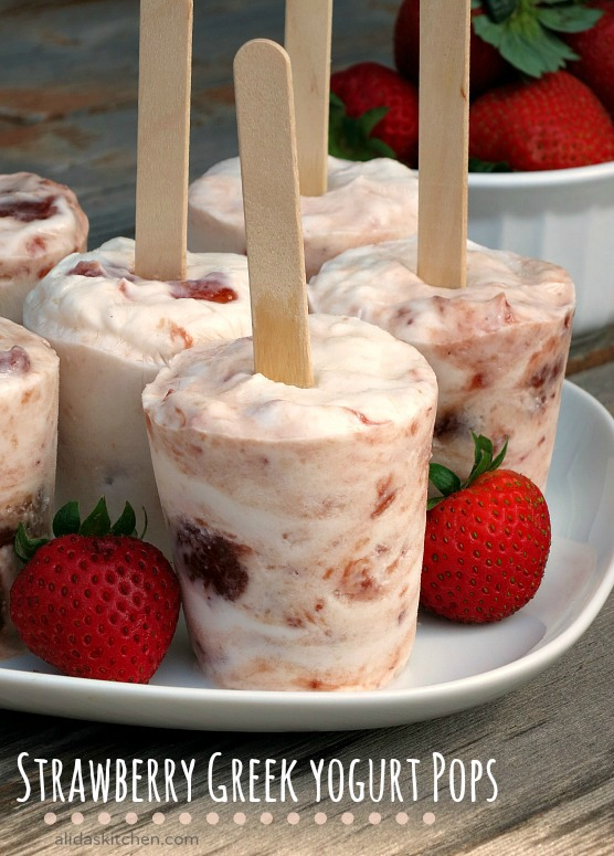 Strawberry Greek Yogurt Pops | alidaskitchen.com
