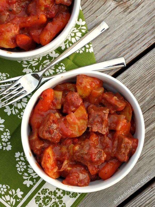 Pop-in-the-Oven Beef Stew   alidaskitchen.com #recipes #beef #SundaySupper