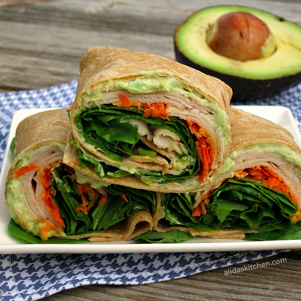 Creamy Avocado Turkey Wrap | alidaskitchen.com #recipes #backtoschool #hillshirenaturals