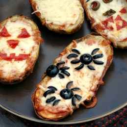 Halloween Baked Potato Skin Pizzas   alidaskitchen.com #recipes #SundaySupper