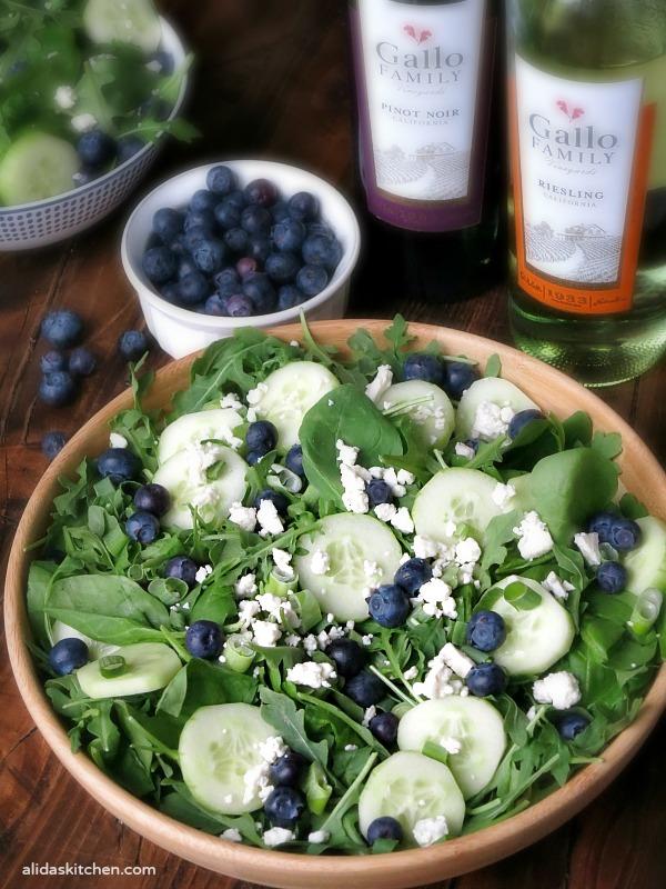 Balsamic Blueberry Salad | alidaskitchen.com #SundaySupper