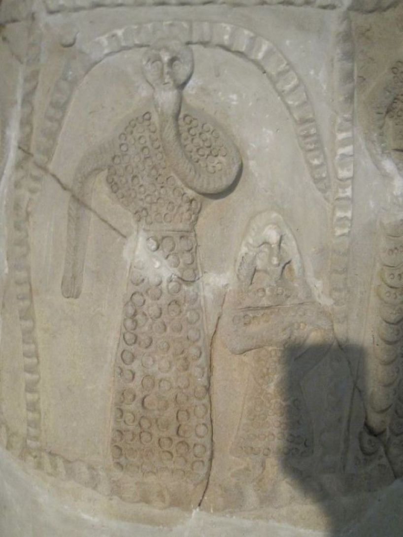 More Nephilim Proof! Ancient Artifacts In Iraq Museum Depict Aliens? Anunnaki? Reptilians?