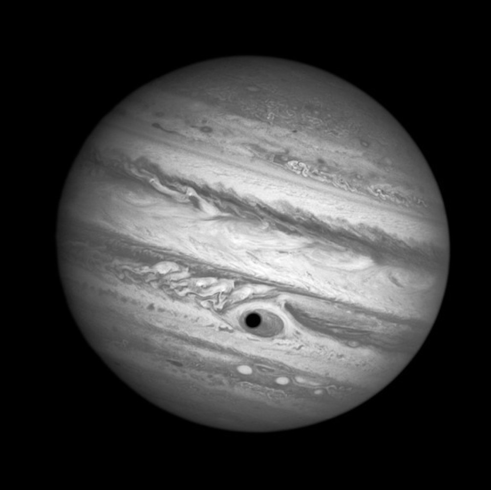 jupiter-eye-spooky