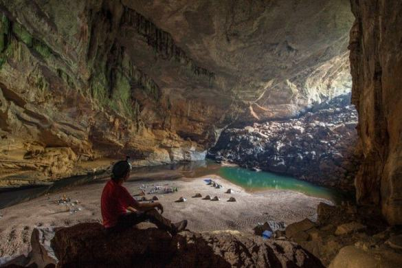 Son Doong cave is World's largest cave, discovered in 2009 18