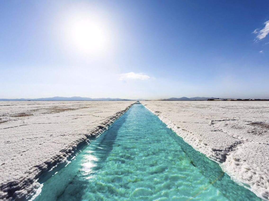 salinas-grandes-is-a-massive-salt-desert-in-argentina-the-field-stretches-2300-square-miles-and-includes-saltwater-pools-within-its-awe-inspiring-expanse
