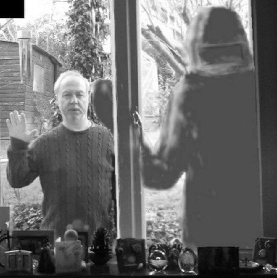 Investigator Kenneth Parsons superimposed onto mock-up picture of a Farnborough alien sighting