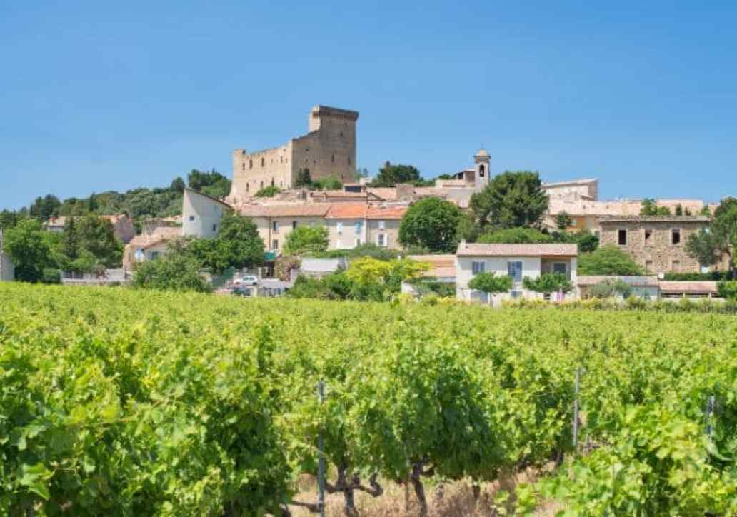 The skies over Châteauneuf-du-Pape are blissfully alien-free