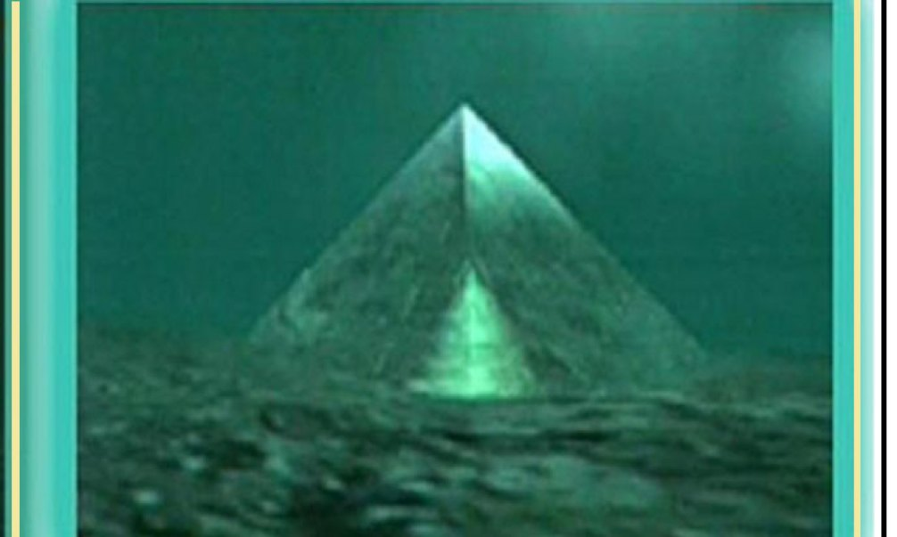 Glass-Pyramids-Bermuda-Triangle-688in