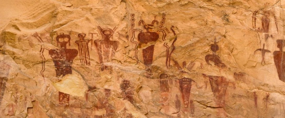 Alien-cave-drawings-of-Sego-Canyon