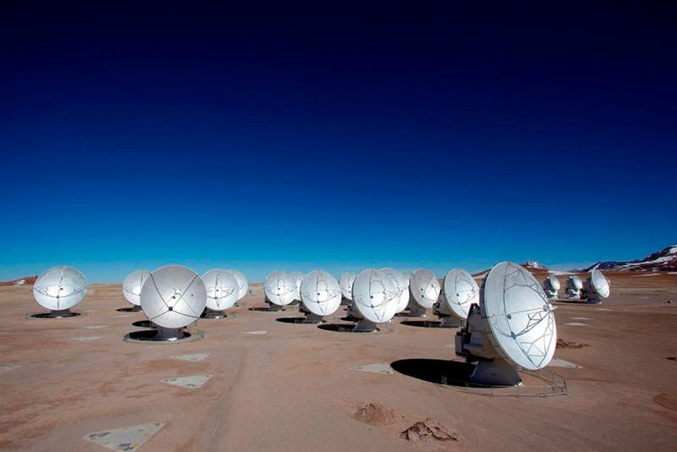The Alma Observatory at Chajnantor Plateau