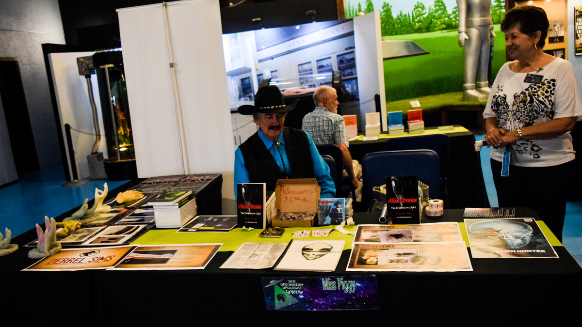 The Alien Hunter - - Exciting Weekend at Roswell Alienfest 2021 (pictures)