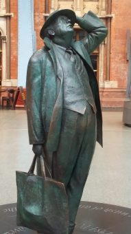 John Betjeman statue (St. Pancras International)