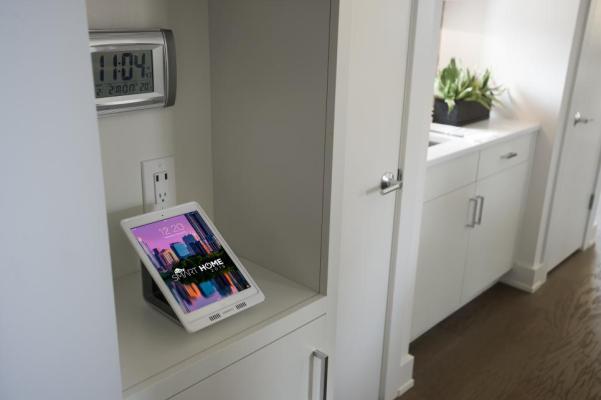 HGTV Smart Home Docking Station