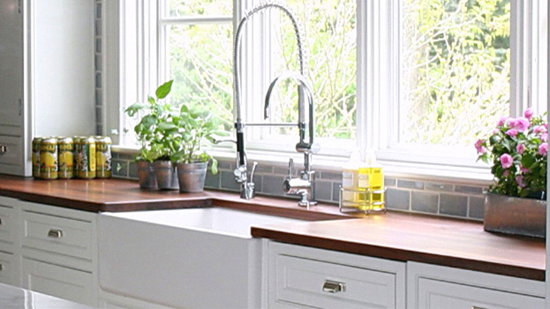 trendy kitchen wallpaper lowes sink base cabinet trends 2017 grasscloth