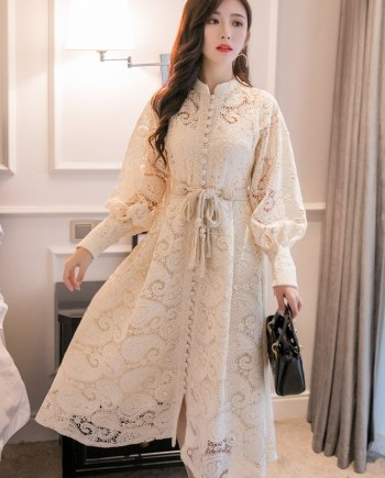 Кружевное платье из хлопка