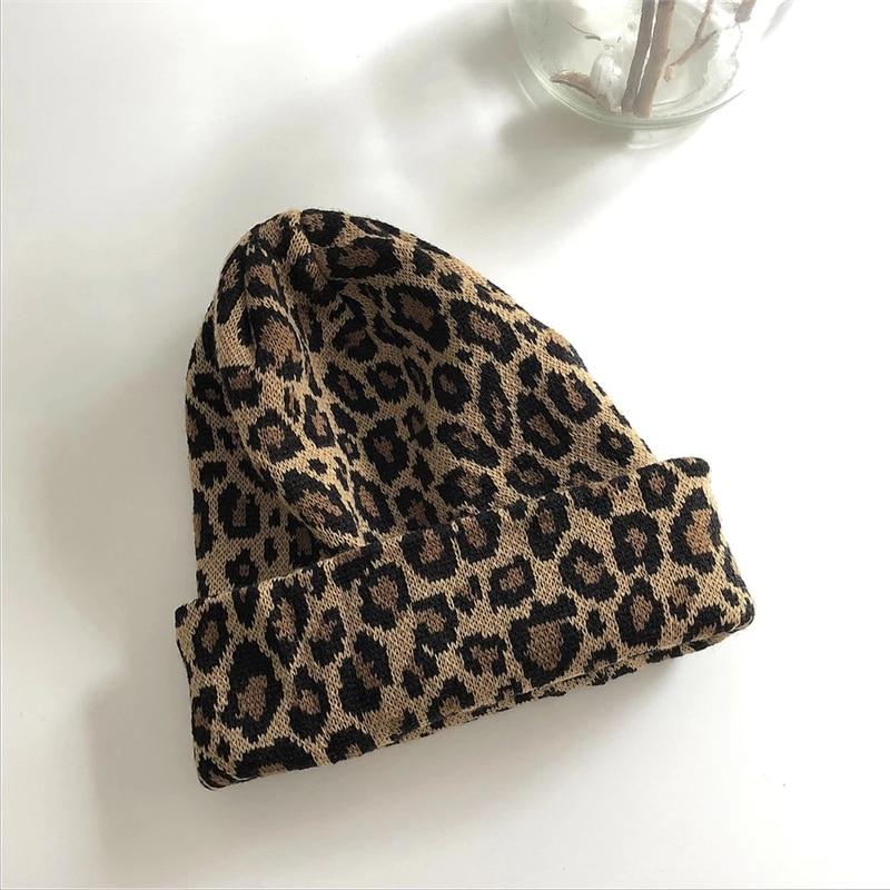 Шапка с леопардовым принтом
