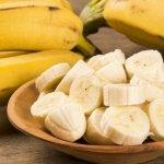 Combate el insomnio tomando banana y canela una hora antes de dormir