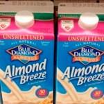 Si alguien que conoces compra leche de almendras, dile que se detenga, aquí el porqué