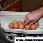 Tu salud corre peligro si eres de las personas que guarda en la nevera los huevos.