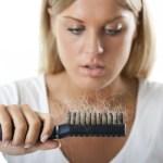 Cómo frenar la caída del cabello con estos 10 pasos