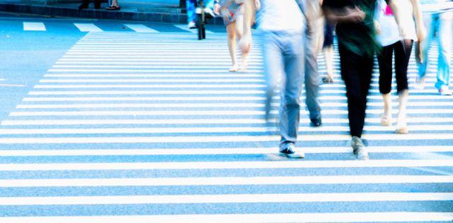 Caminar-energias-despues-absorbente-SHUTTERSTOCK_LNCIMA20150418_0016_3