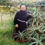 Sacerdote Que Pasó 20 Años Estudiando El Áloe Vera Dice Que El Cáncer Puede Curarse! ESTA ES LA RECETA COMPLETA!