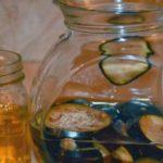 Esta mezcla con Agua de BERENJENA seca la grasa de la barriga, Reduce el Colesterol Malo y alivia el reumatismo.