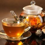 Gárgaras de agua con sal y otros remedios para aliviar el dolor de garganta