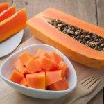 Batido de papaya, manzana y avena para equilibrar el sistema digestivo