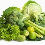 Añadir una ración diaria de vegetales de hoja verde a la dieta previene la demencia