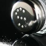 Abusar de la sal en las comidas aumenta el riesgo de demencia