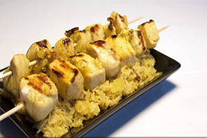 Brochetas de pollo con toque de curry