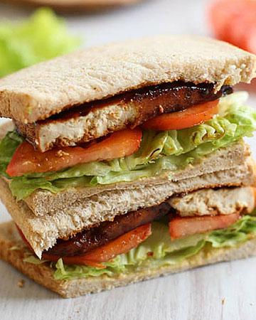 Sándwich de tofu