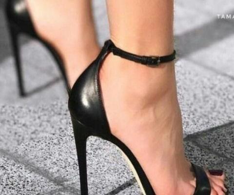 Siyah Topuklu Ayakkabı Modelleri