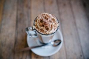 Ciocolată caldă cu scorţisoară