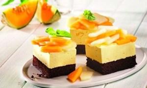 Prăjitură cu iaurt şi pepene galben