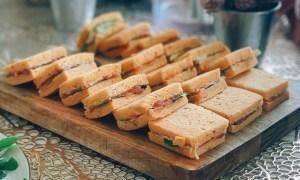 Mini sandvişuri cu somon