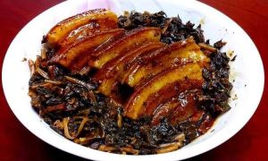 Mâncare asiatică cu bacon
