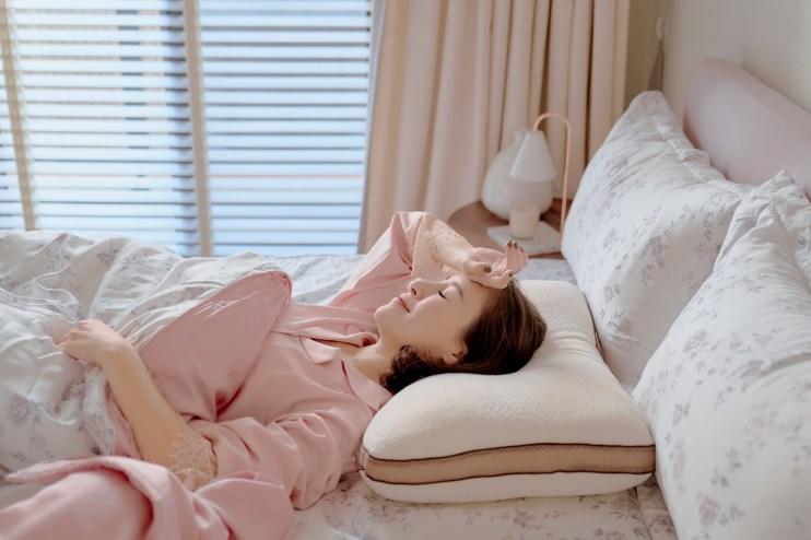 【團購】年熱銷萬件!! 回購率超高的機能性枕頭、暖暖被胎