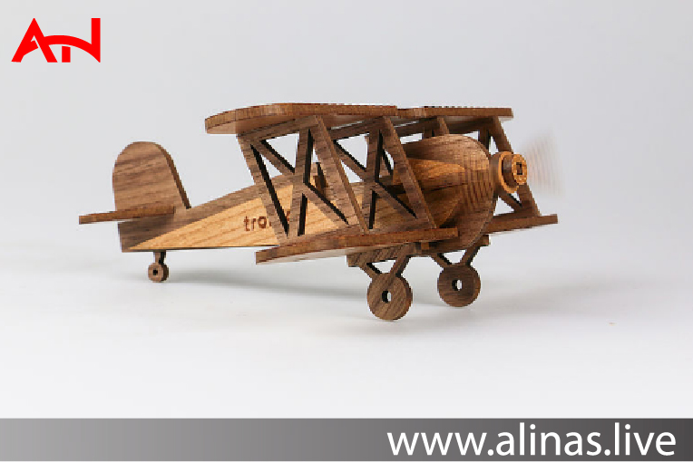 Read more about the article Laser engraved and laser cut wooden airplane construction kit