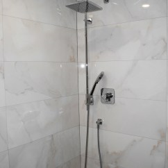 Alinca-shower-stand