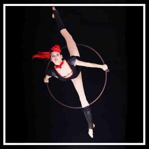 A Line In The Air circus Aline Chapet Batlle battle Lyra artist