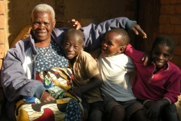 10-07-10 - Mama Khonje en Kiri