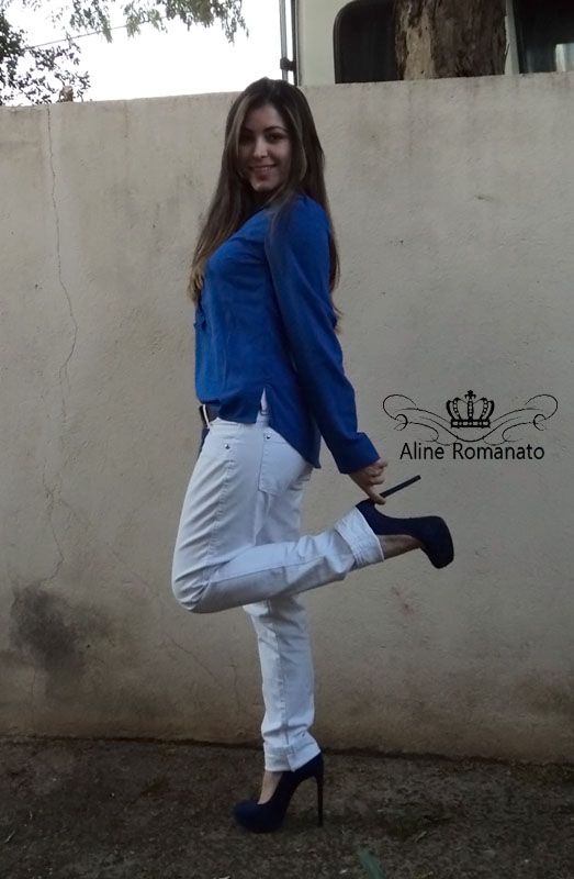 schutz azul Aline Romanato