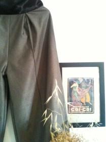 pantalon fajín detalle