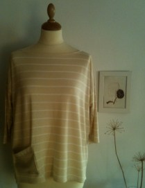 Camiseta rayas de crema Striped cream Shirt 32€